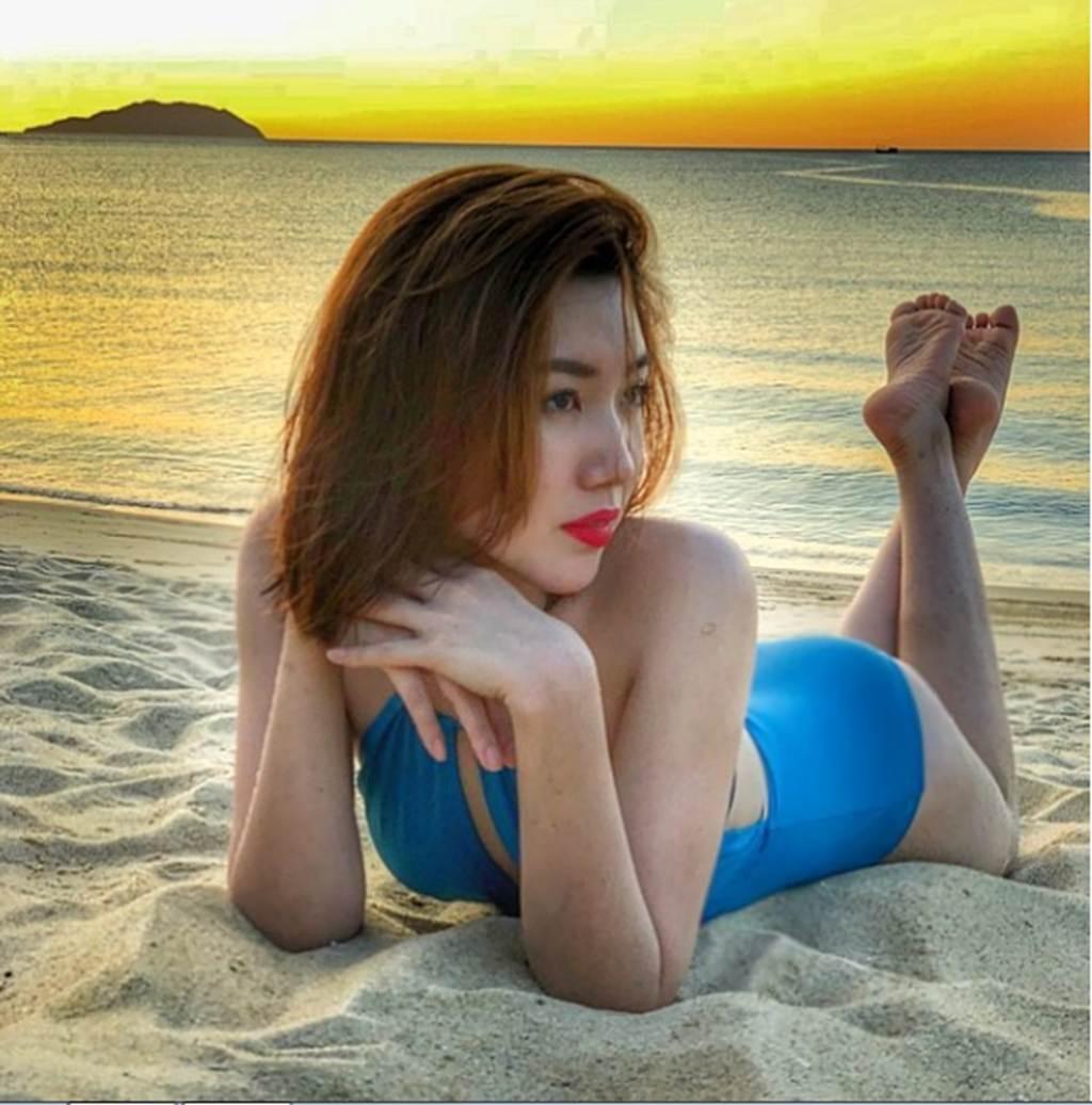 Vóc dáng nóng bỏng của Hân Hoa hậu