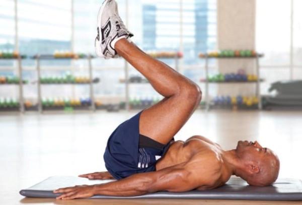 Bài tập giảm cân với động tác gập bụng ngược
