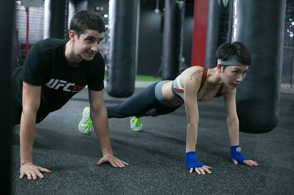 Bài tập thể dục giảm cân với đông tác hít đất