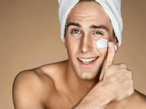 Sử dụng các sản phẩm chăm sóc da mặt để bảo vệ da
