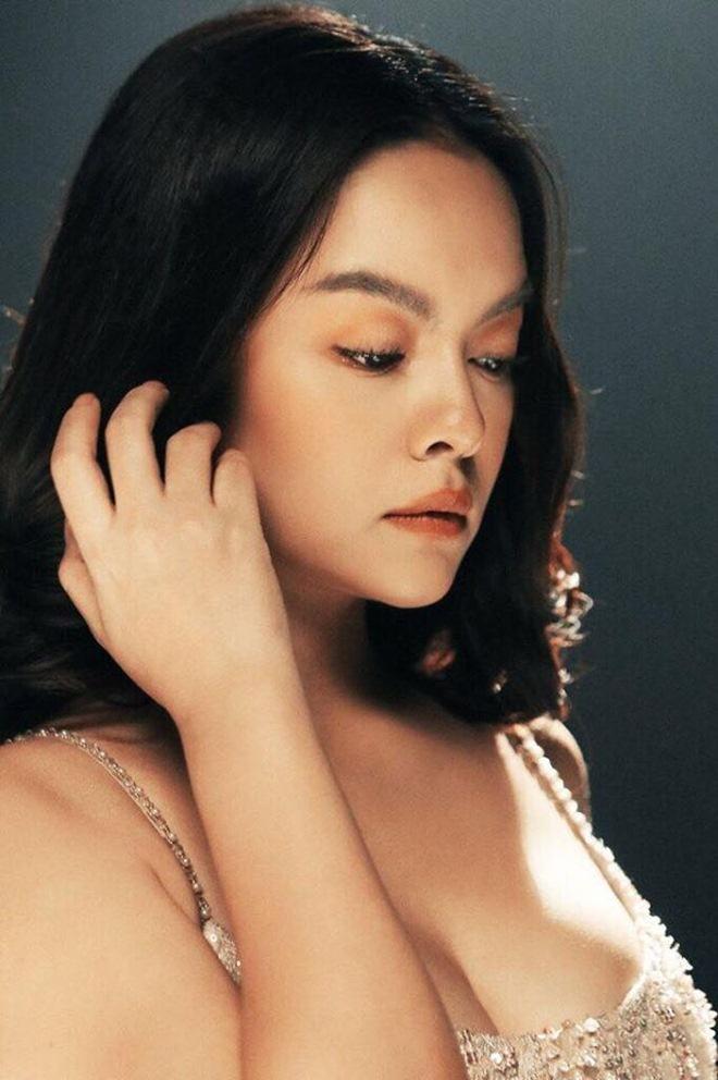 HÌnh ảnh Phạm Quỳnh Anh trong MV kết hợp với Ưng Hoàng Phúc