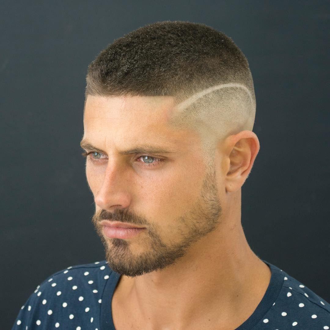Kiểu đầu đinh vuông là một trong những kiểu tóc húi cua đẹp cá tính