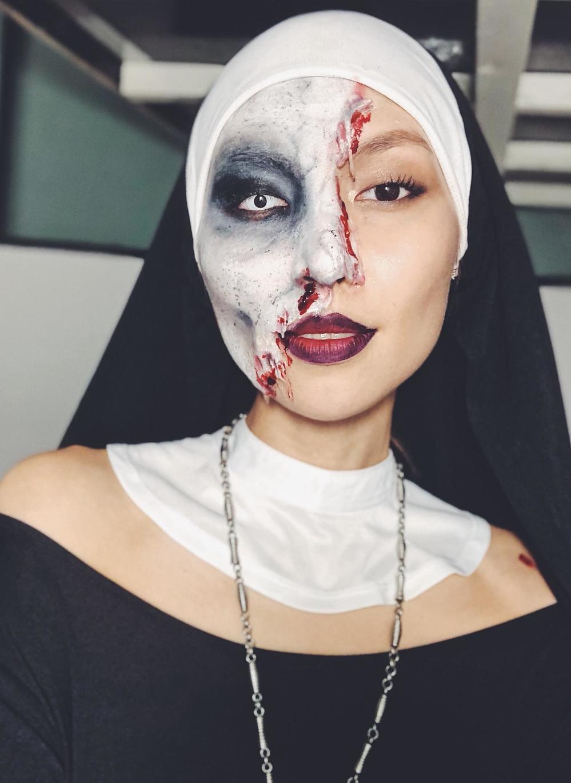 Người mẫu Thùy Dương trong mùa lễ hội Halloween
