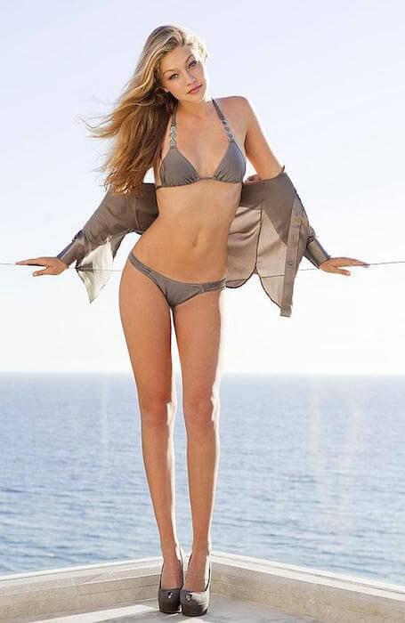 Đôi chân dài miên man của Gigi Hadid