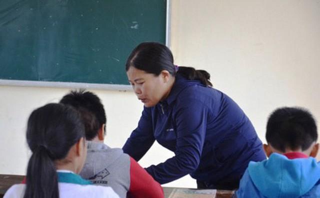 Lãnh đạo trường bị kỉ luật khi yêu cầu học sinh trả lời phiếu điều tra