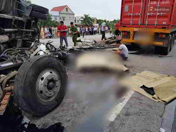 6 người tử vong do xe tải lật đè ở Hải Dương
