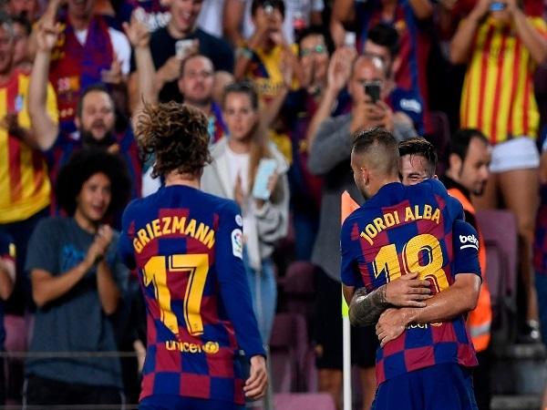 Barca vội ăn mừng khi thắng Betis