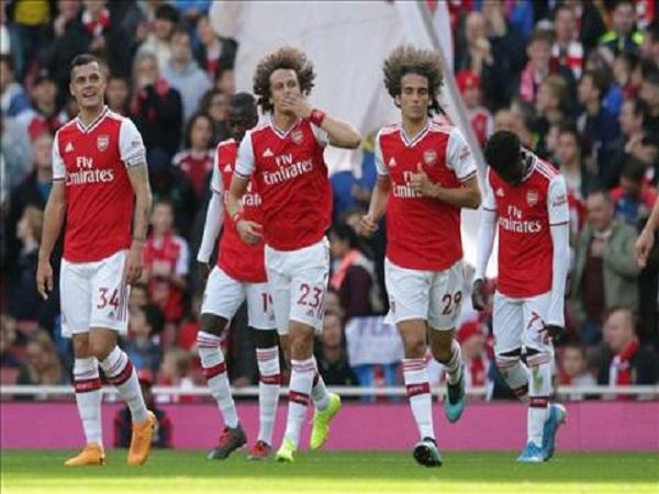 Arsenal thay Man City đua vô địch với Liverpool