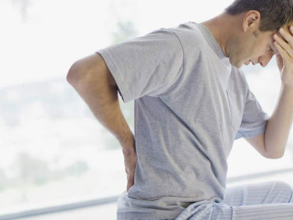 Bệnh thoát vị đĩa đệm thường đi kèm với triệu chứng mất ngủ, sút cân