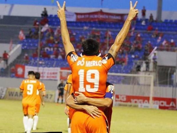 Bóng đá Việt Nam tối 28/7: Đội bóng V-league thiết quân luật