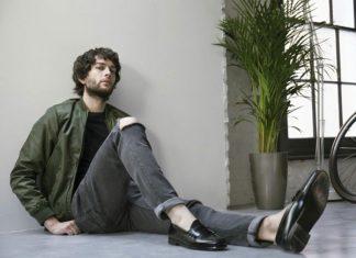 Phối giày với quần jean nam dáng skinny