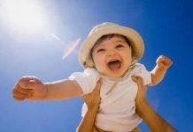 Tắm nắng cho trẻ sơ sinh có quan trọng hay không?