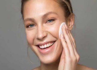 Tẩy trang sạch sẽ để loại bỏ bụi bẩn trên da
