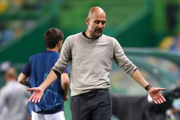 Guardiola lý giải không dùng tiền vệ phòng ngự ở trận chung kết