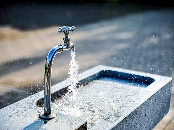 Mơ thấy vòi nước chảy mạnh